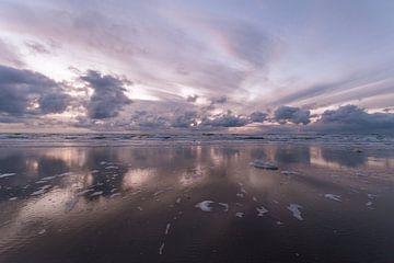wolken reflectie van Aldo Sanso