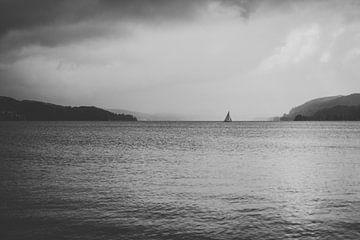 Einsames Segelboot von Andrea Fuchs
