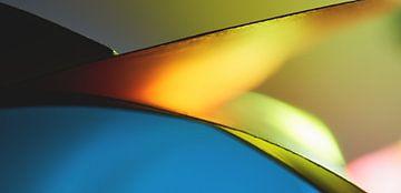Abstracte macrofoto van verlichte kleurenvellen van Frank Heinz