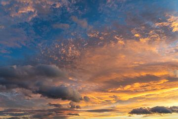 In de zee van wolken 3 van Montepuro