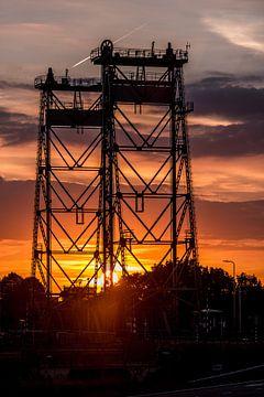 Alphenliftbrucke Abendsonne von John Wiersma