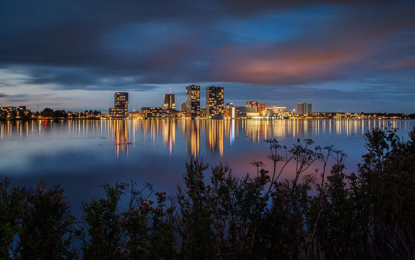Almere skyline van Jolanda de Buyzer