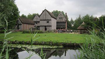 Gebouwen uit de middeleeuwen in het Archeon Nederland van Wilbert Van Veldhuizen