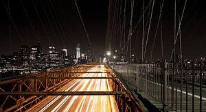 Brooklyn Bridge at Night van Jeroen Middelbeek