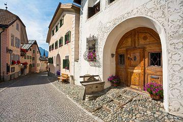 Typische huizen in Guarda, Engadine van Werner Dieterich