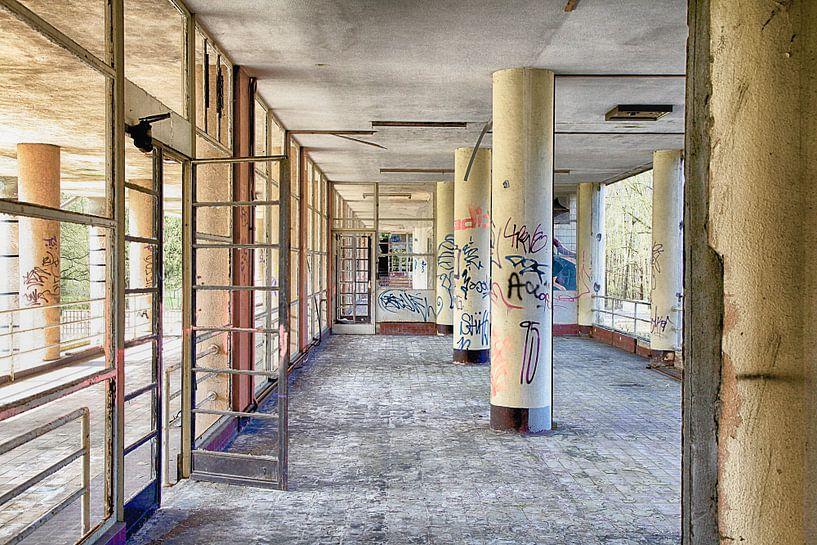 Hospitaal in België van Elly Damen