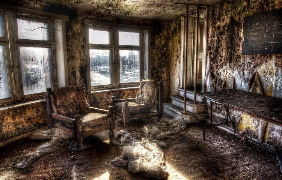 The moldy room