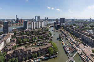 Het stadsgezicht over Rotterdam vanuit Leuvehaven