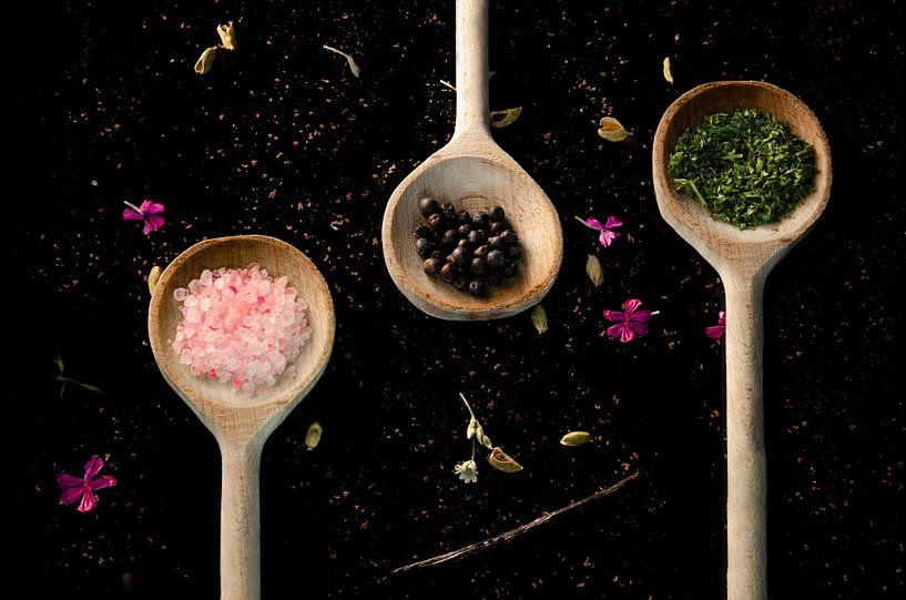 Kruiden in lepel / culinaire foto / kleurrijk van Meggie Spek