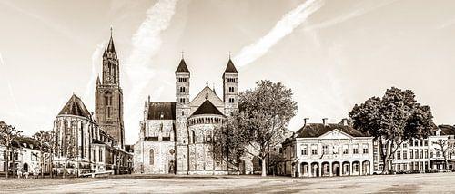 Vriethof - Mestreech, Vrijthof - Maastricht in sephia kleurtoon van Teun Ruijters