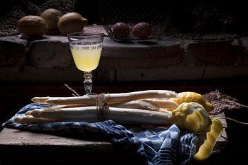 Asperges stilleven met citroen van Marion Lemmen