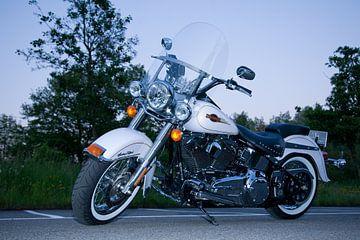 Harley Davidson Heritage softtail, avondopname van Patrick Brouwer