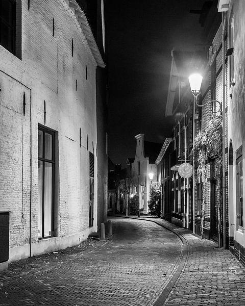 Hometown Nocturnal # 3 van Frank Hoogeboom