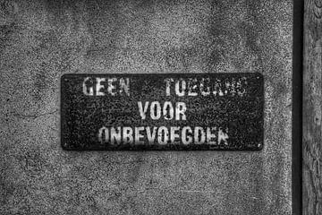 Een oud bord van Melvin Meijer