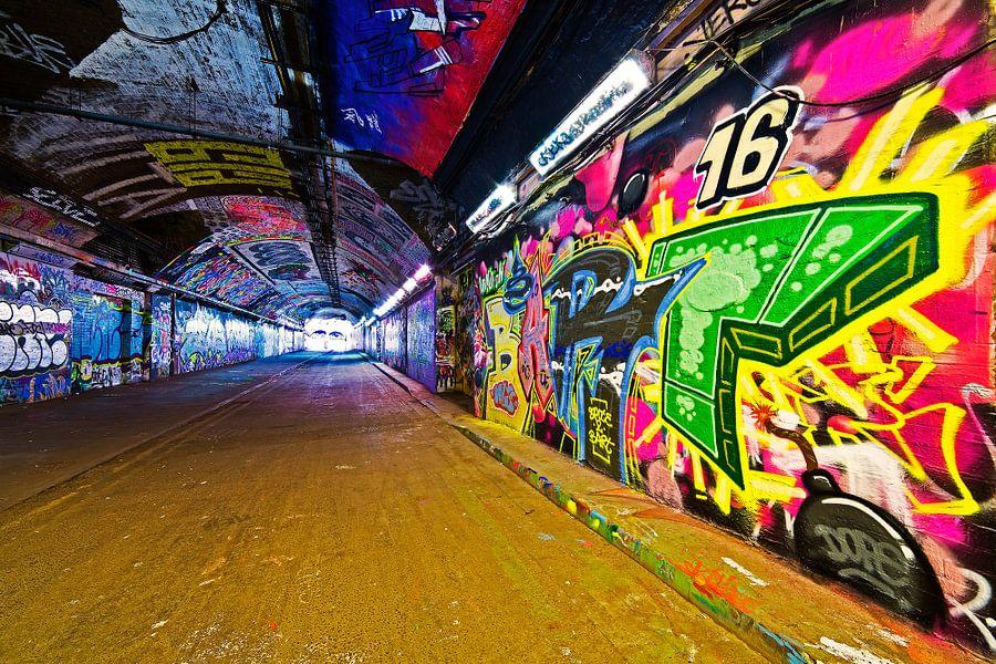 Graffiti tunnel onder Station Waterloo 3/3 te Londen