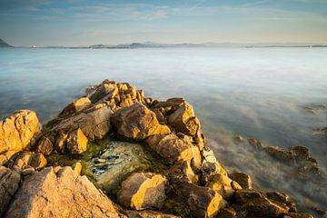 Zonsondergang in de baai van Olbia - Sardinië van Damien Franscoise