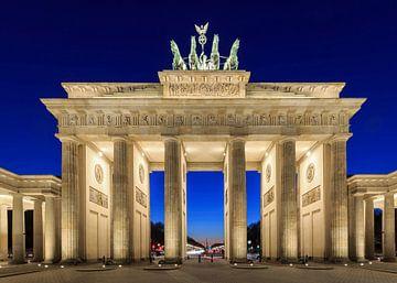 Brandenburger Tor in der blauen Stunde von Frank Herrmann