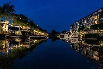 De haven van Tilburg (Piushaven) in de avond. van Malou van Gorp