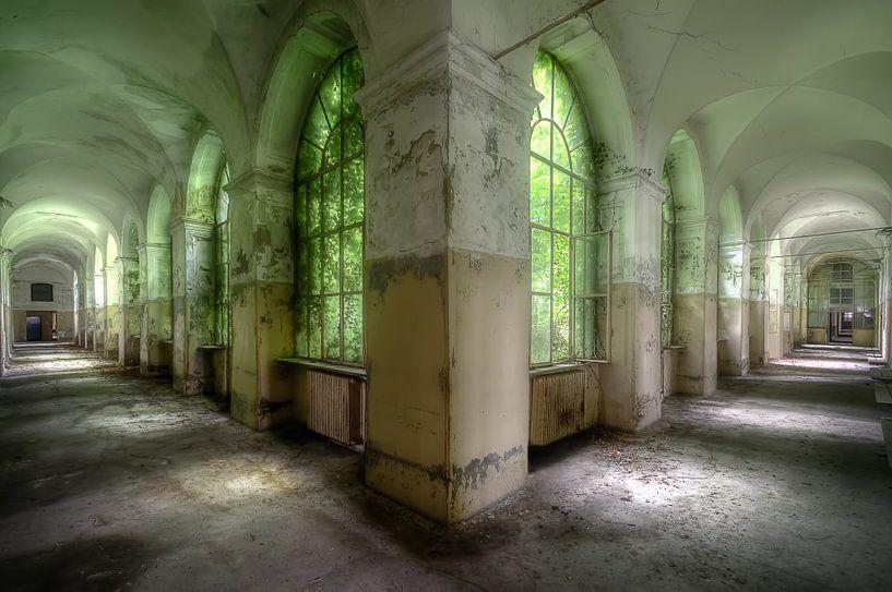 Gangenstelsel Italiaans Ziekenhuis. van Roman Robroek