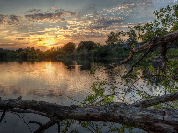 Sonnenuntergang am See van Carina Buchspies