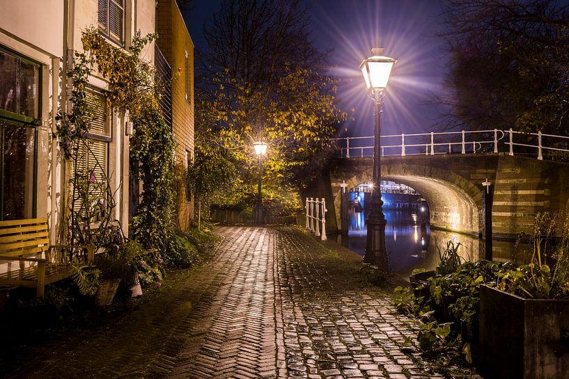 Leiden bij avond von Rob IJsselstein