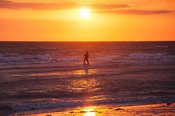 Vissen bij zonsondergang. van Rens Kromhout