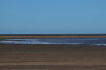 Landschaft mit holländischem Sandstrand an der Küste von Zeeland von Robin Verhoef