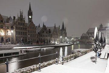 Tijdens sneeuwval aan de Graslei van Gent van Marcel Derweduwen
