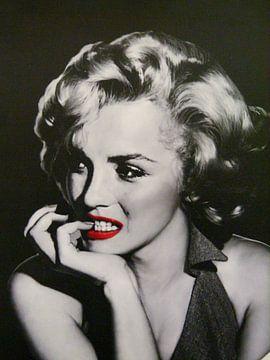 Pin-Up Marilyn Monroe mit leuchtend roten Lippen von Atelier Liesjes