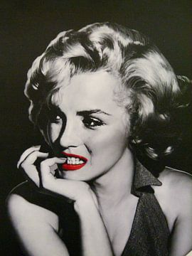 Pin-Up Marilyn Monroe mit leuchtend roten Lippen