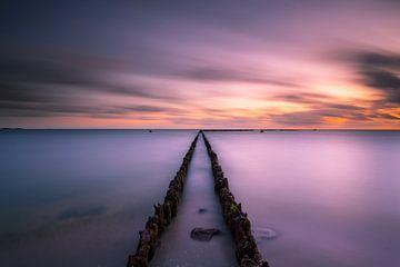 Het Ijsselmeer tijdens zonsondergang van Damien Franscoise