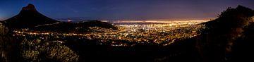 Kaapstad - Zuid Afrika - Stad in de nacht von Ferdy Korpershoek