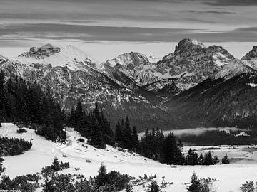 Blick vom Wank Richtung Karwendelgebirge von Andreas Müller