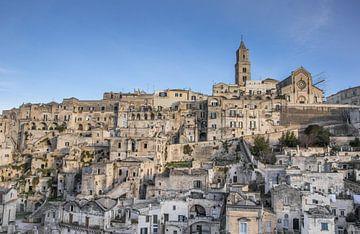 Kathedraal op de top van de heuvel in Matera van Marc Venema