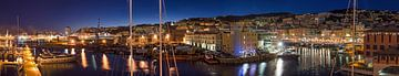 Panorama haven Genua/Genova - Italië van Jack Koning