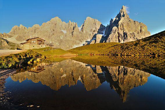 Baita Segantini en Pale di San Martino - Trentino-Alto Adige - Italiië