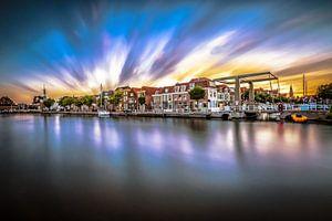 De oude haven van Alkmaar met een mooie zonsondergang