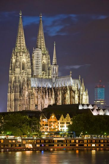 Cityscape with Cologne Cathedral at night
