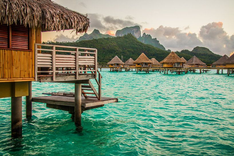 Ochtendgloren op Bora Bora van Ralf van de Veerdonk