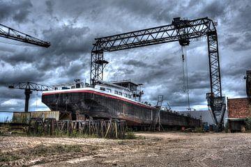 Urbex: Verlorene Bootswerft von Jarno De Smedt