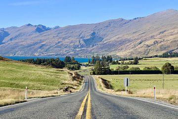 De weg naar Kingston freedom camping - Lake Wakatipu - Nieuw Zeeland van Be More Outdoor