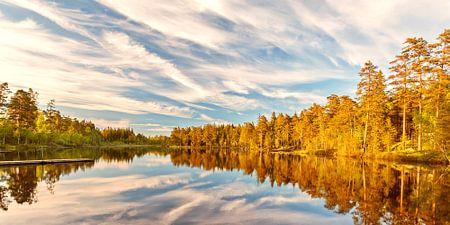 Stilte op een meer in Sweden
