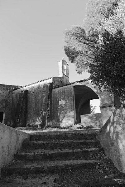 De kapel van Sainte-Anne in Saint-Tropez van Tom Vandenhende