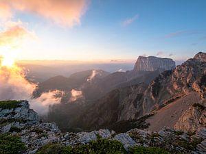 Zonsopkomst in de bergen van Frankrijk Puur