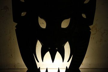 evil mask van Lisa de Blok