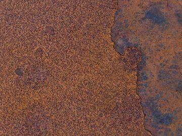 Rostiges Metall von Timon Schneider