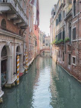 Kanal in Venedig von Karin vd Waal