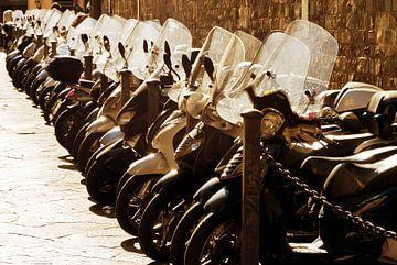 Scooters in Florence van Dennis van de Water