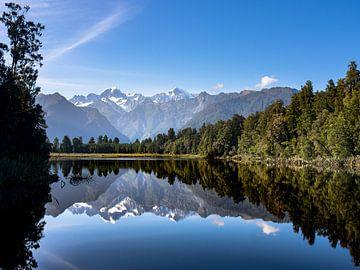 Neuseeland - Lake Matheson - Der schöne Spiegelsee von Rik Pijnenburg