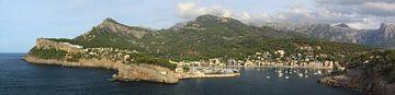 Groot panorama 4:1 van Port de Soller, Mallorca van FotoBob